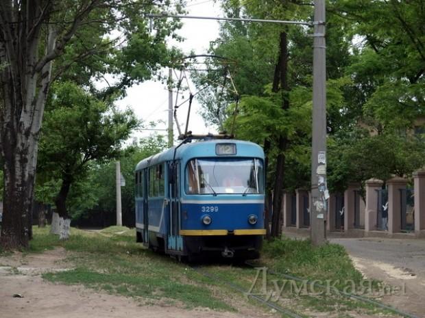 Трамвай 12-го маршрута на