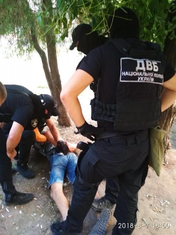 Одесская полиция предотвратила убийство следователя: бывший сожитель хотел кинуть в нее гранату