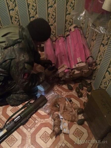 СБУ задержала в Одессе террориста с огромным арсеналом оружия (фото)