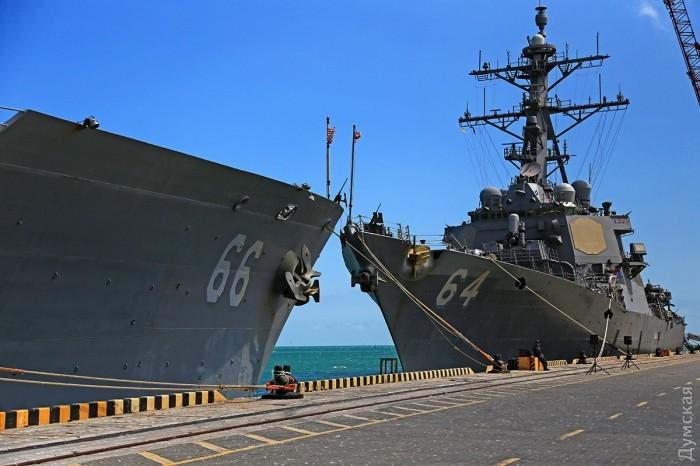 """Эсминец с управляемым ракетным оружием """"Картни"""" тоже имеет на борту """"Иджис"""""""