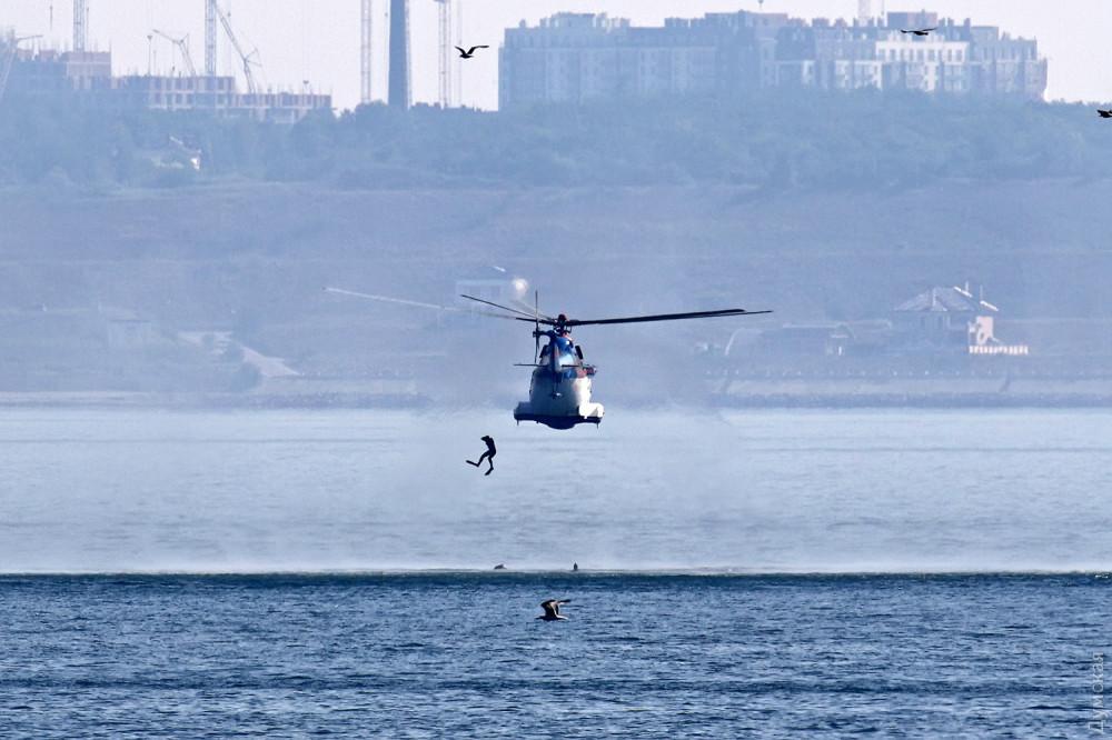Высадка пограничных боевых пловцов