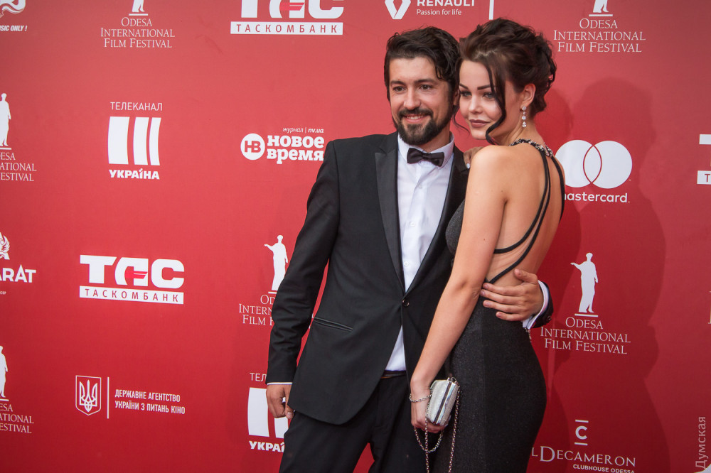 Одесский продюсер Максим Фирсенко с девушкой