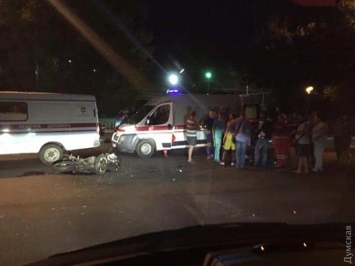 Ктрагедии привела нелепая случайность: вДТП вОдессе умер военнослужащий
