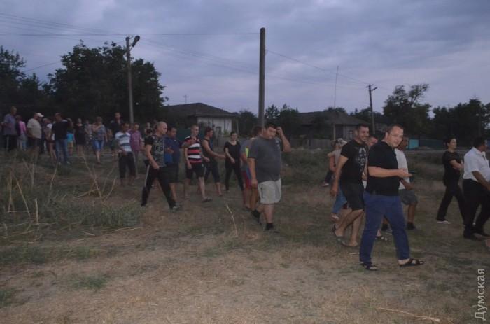 Убийство ребенка спровоцировало цыганский погром в Одесской области (видео)