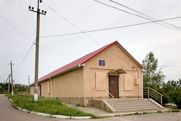picturepicture_1503361793054_51260 Пульс Одессы в Палермо: шприцы вместо подснежников, политический туалет и кладбище иномарок