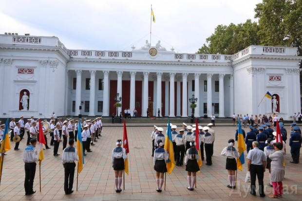 На Потемкинской лестнице в Одессе развернули огромный флаг Украины - Цензор.НЕТ 7654