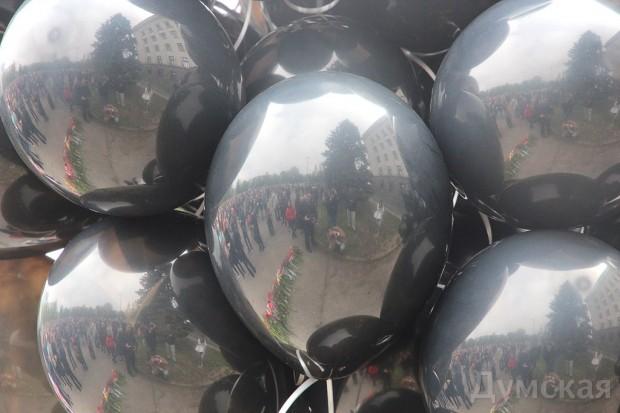 40 кадров: как одесситы поминали погибших 2 мая на Куликовом, фото-20