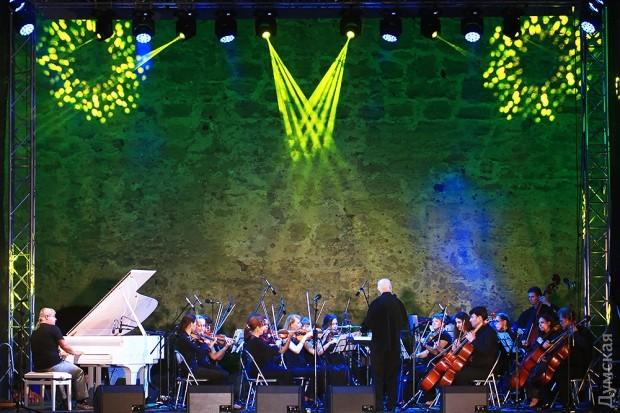 picturepicture_96252236129594_82128 В Акерманской крепости прошел концерт с участием известной пианистки