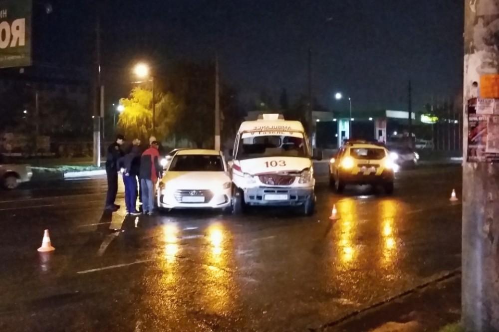 В Одессе столкнулись иномарка и