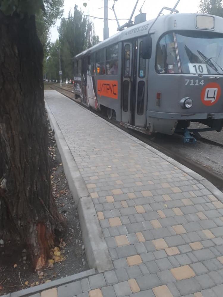 В Одессе построили первую за 27 лет платформу для удобной посадки в трамвай
