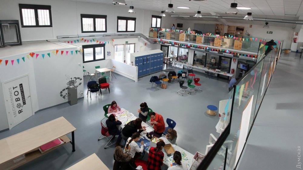 Лаборатория роботов в Пищевой академии