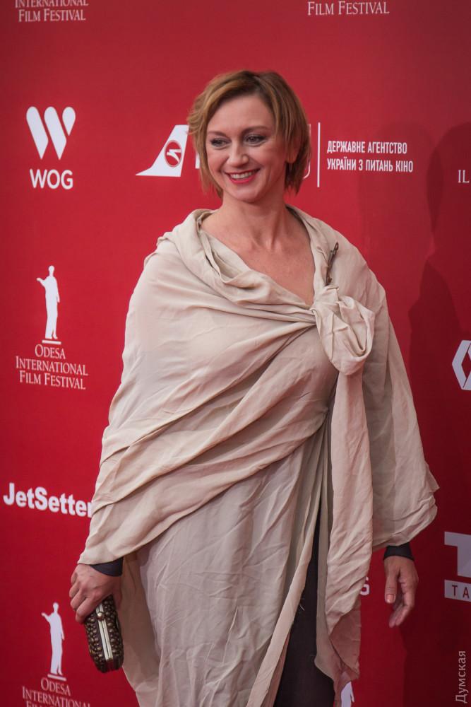 Актрисе Римме Зюбиной можно и в мятой простынке ходить