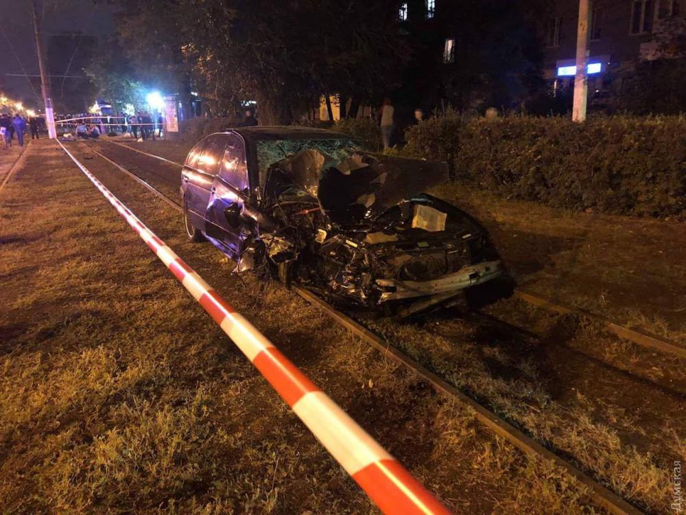 Гонщик, устроивший смертельную аварию на Фонтане, ехал на запрещающий сигнал светофора,- полиция