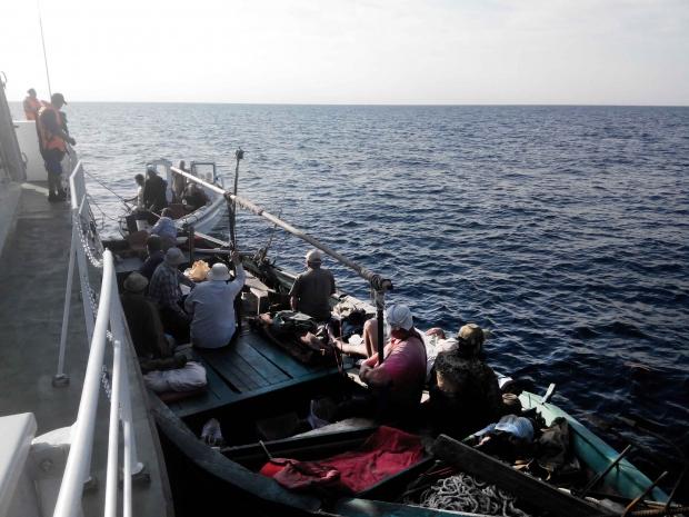 Рыбаки, заплывшие «за буйки», расплатились 6-ю протоколами и штрафом, фото-2