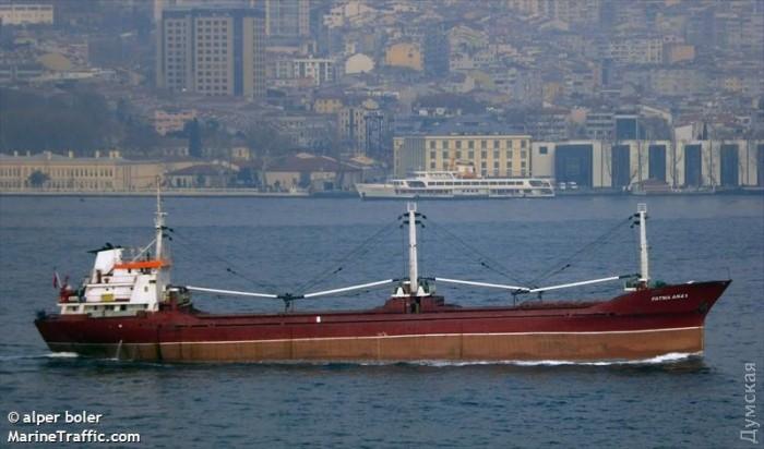Около  Гибралтара задержано судно сукраинцами и600 мешками гашиша