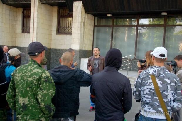 Житель Севастополя предложил митингующим навести порядок в своем доме самостоятельно