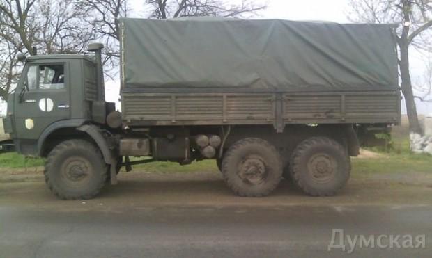 Одесский «Шторм» задержал подозрительный грузовик со «списанным» военным имуществом, фото-7