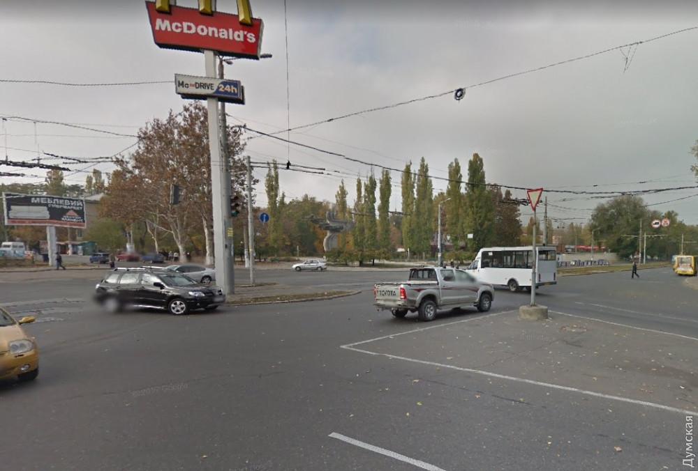 Реконструкция  перекрестка на 5 станции Фонтана: еще два троллейбуса будут временно ходить через площадь 10 апреля