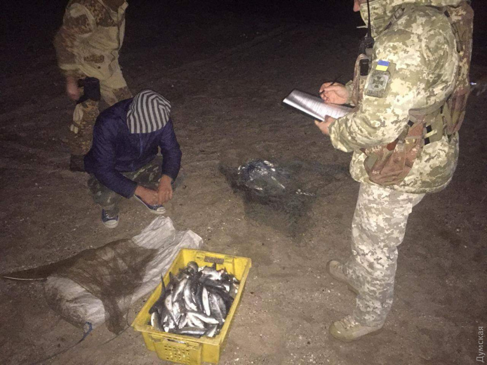Правоохранители задержали гражданина Молдовы за незаконный вылов рыбы в Одесской области