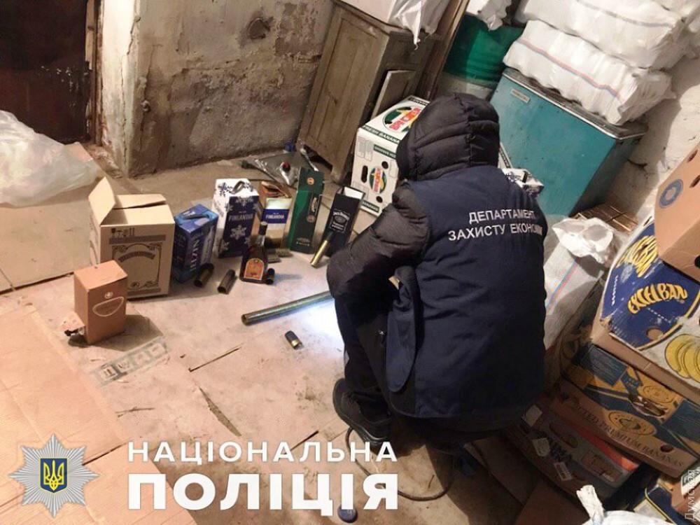 Baileys и Jack Daniel's из грязных бочек: в Одесской области ликвидировали мини-завод по разливу контрафактного алкоголя