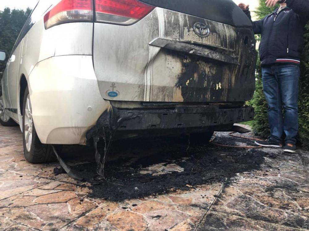 Злоумышленники подожгли машину депутата Одесского облсовета от «ОппоБлока»