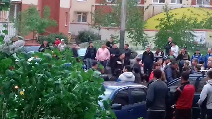 Вмассовой драке сострельбой вОдессе ранен полицейский (ВИДЕО 18+)