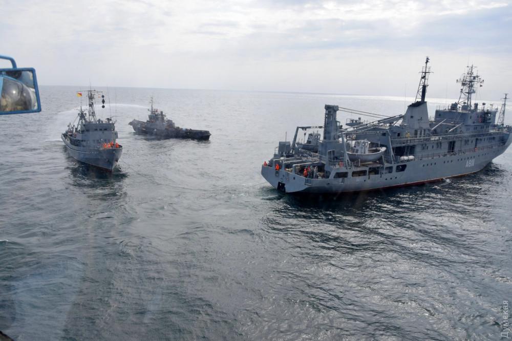"""Водолазное судно """"Нетешин"""", буксир А-947 и вспомогательное судно """"Балта"""""""
