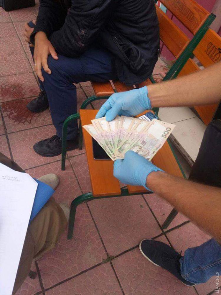 В Одесской области инспектор ГСЧС попался на двух взятках