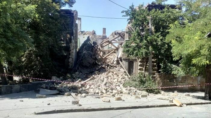 в Одессе обрушился Массонский дом