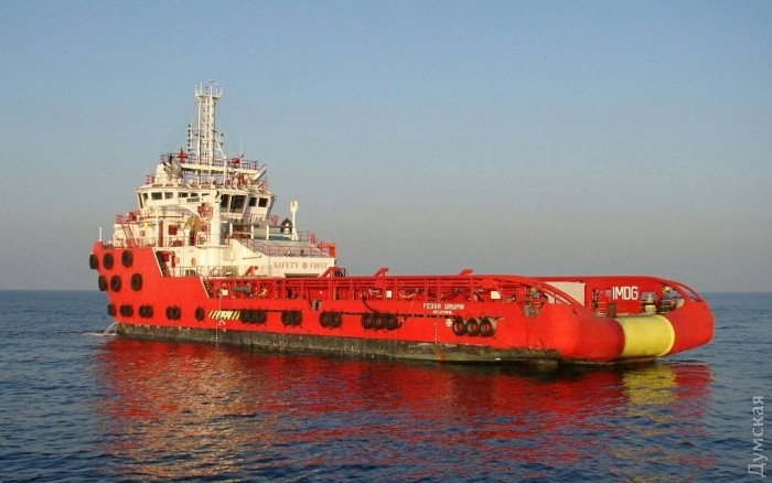 Одесское газовое месторождение окружили российские корабли
