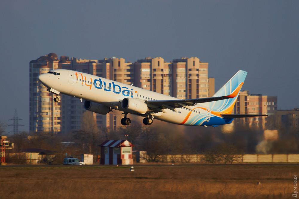 Из-за столичного снегопада в Одессу не прибыли два рейса, зато сел самолет из Эмиратов