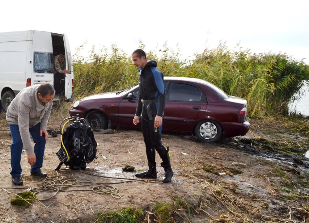 Одесская область: в Днестре утонул автомобиль с водителем внутри