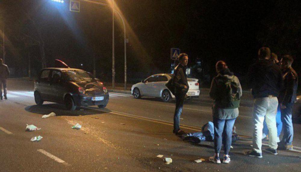 Ночное ДТП на Фонтане: мужчину сбили на переходе возле 38-й школы