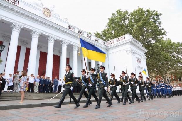На Потемкинской лестнице в Одессе развернули огромный флаг Украины - Цензор.НЕТ 1202