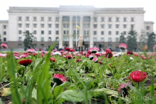 40 кадров: как одесситы поминали погибших 2 мая на Куликовом, фото-17