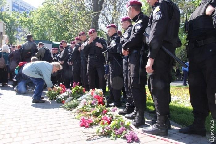 Полиция задержала пятерых мужчин за нарушение общественного порядка на Куликовом поле в Одессе - Цензор.НЕТ 9916