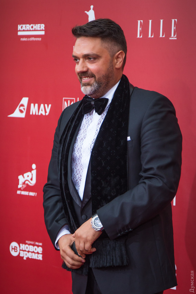 Алексей Дивеев-Церковный похож на барона. Или владельца казино