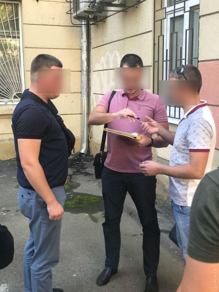 В Одессе на взятке попался инспектор центра Гоструда
