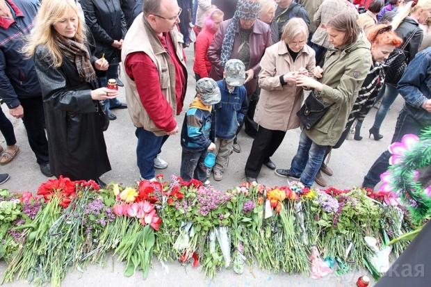40 кадров: как одесситы поминали погибших 2 мая на Куликовом, фото-12