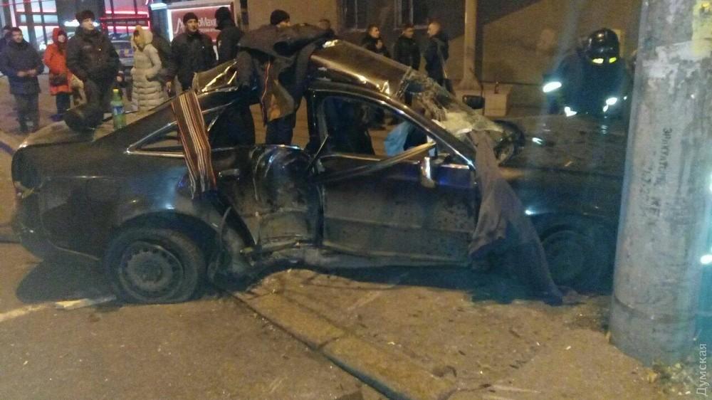Ночное ДТП вОдессе: два разбитых авто итрое пострадавших