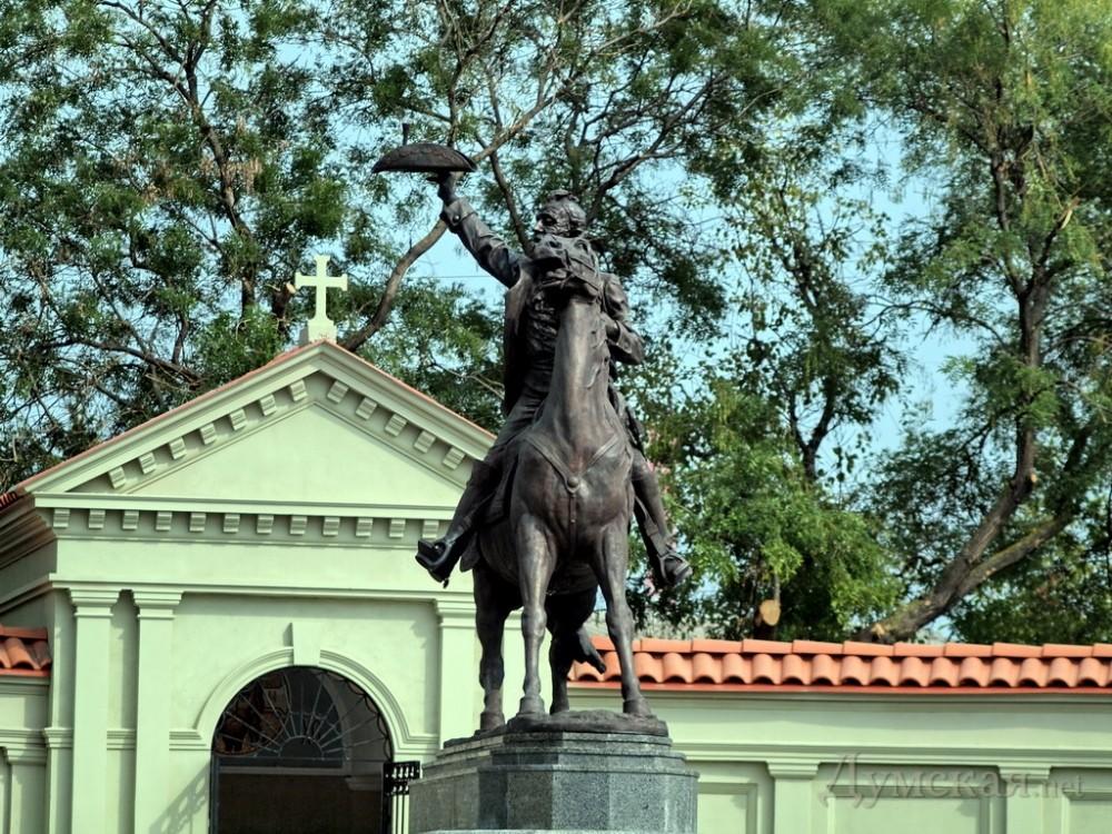 Памятник подешевле Остров надгробие расторгуева в покровском монастыре