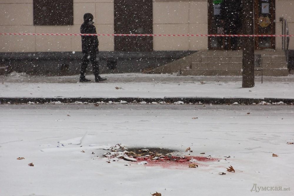 Мощность взрыва в Одессе - килограмм в тротиловом эквиваленте. Судя по повреждениям, неизвестный нес взрывчатку в руках, - МВД - Цензор.НЕТ 7697