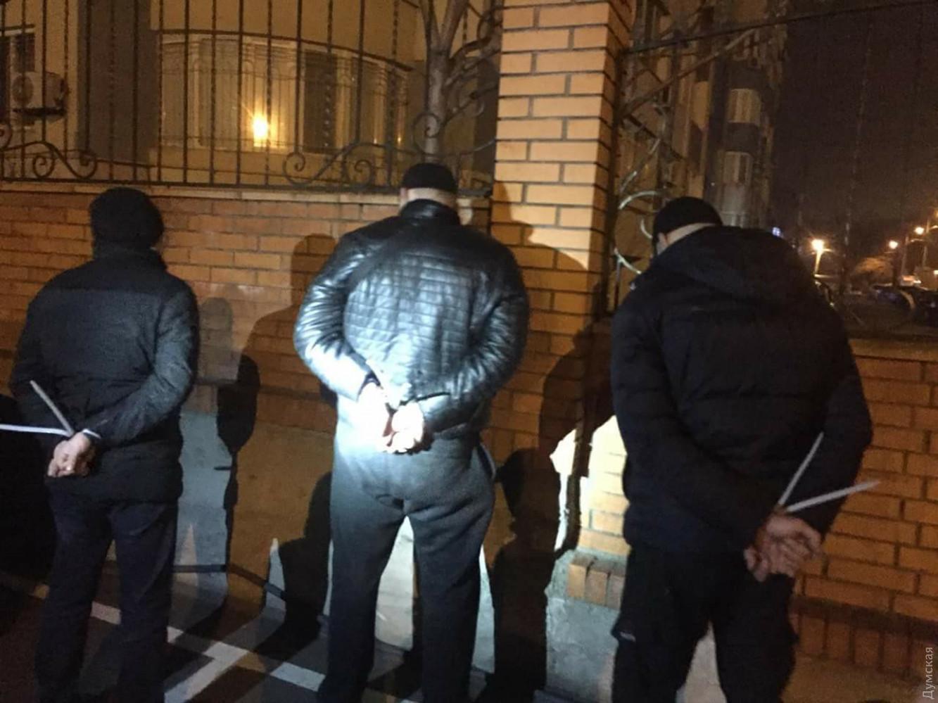 НаГоворова бандиты похитили женщину прямо возле еедома
