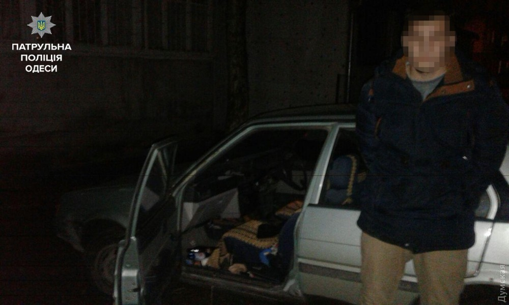 ВОдессе патрульные задержали мужчину, который насмерть сбил ребенка напешеходном переходе