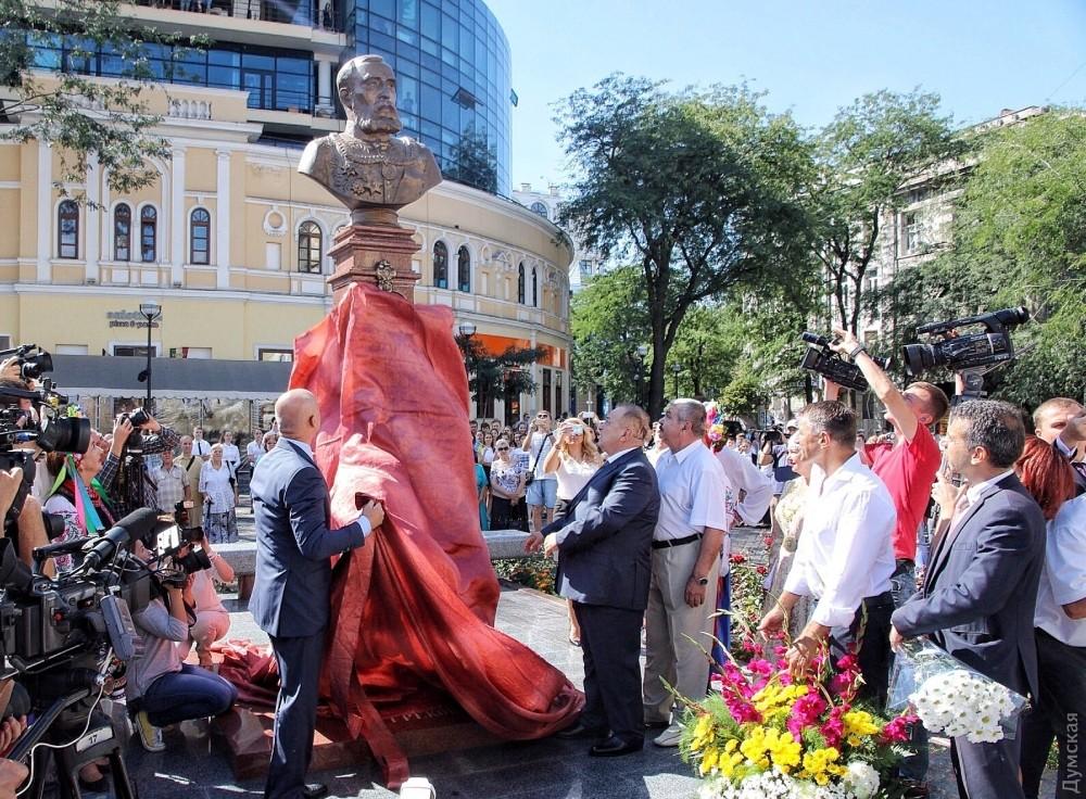 ВОдессе открыли монумент Григорию Маразли