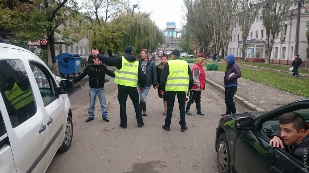 Третьи сутки без света: одесситы перекрыли дорогу напосёлке Котовского