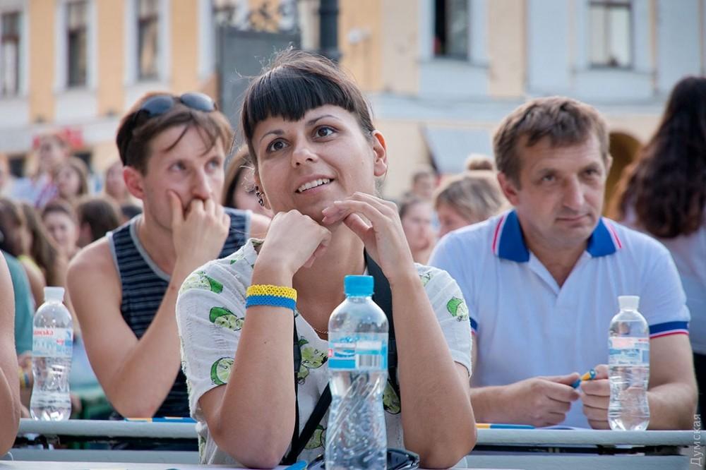 В Одессе возле памятника Дюку провели публичный диктант по украинскому языку - Цензор.НЕТ 8607