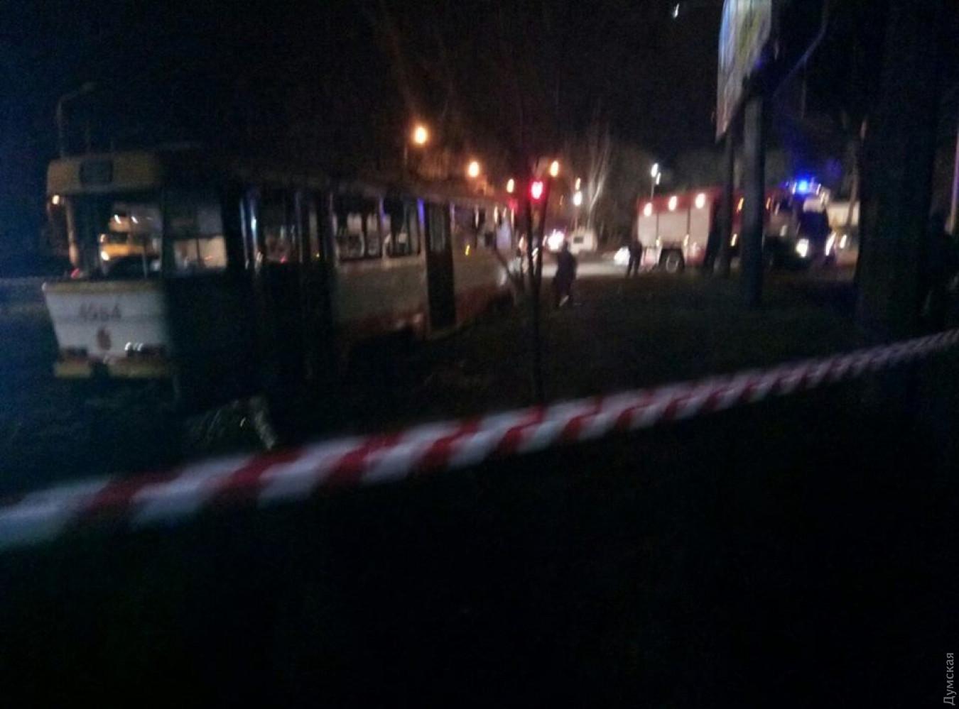 ВОдессе находу вспыхнул трамвай слюдьми