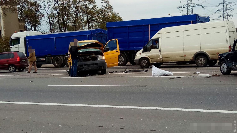 ВОдесской области «Восьмерка» влетела вмикроавтобус, шофёр легковушки скончался