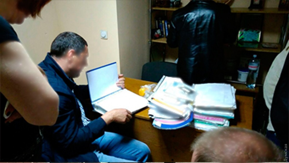 Таможенники  разоблачили группу, которая переправляла моряков вКрым